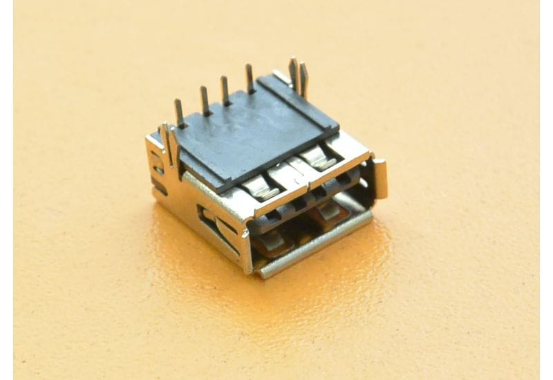 Универсальный USB разъем U075