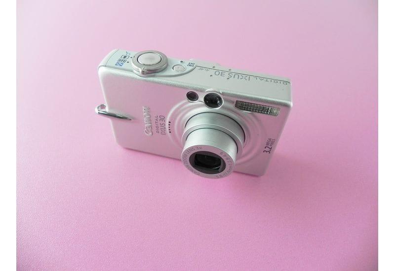 Фотоаппарат Canon Digital IXUS 30 PC1102 (неисправный)